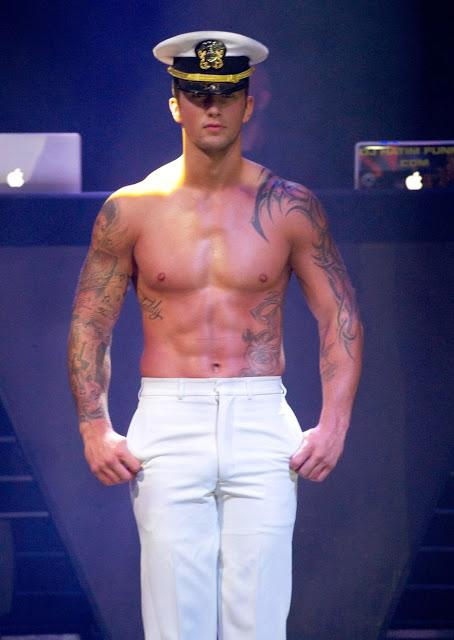 Dan-Osborne-on-stage-4