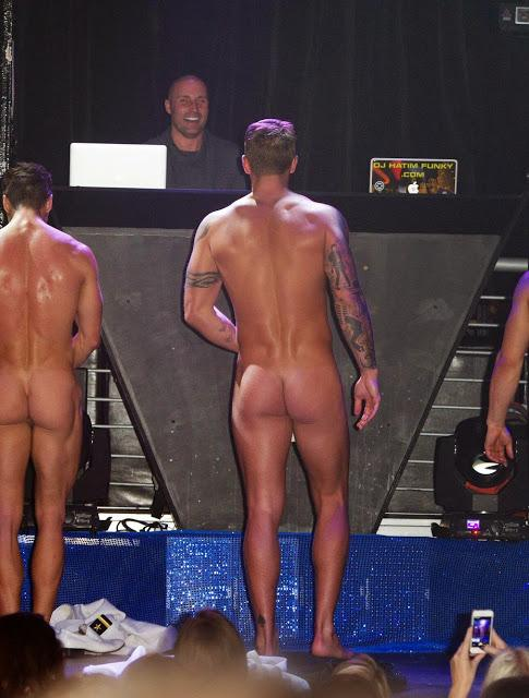 Dan-Osborne-on-stage