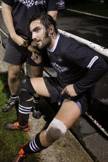 sport-rugby-player-cock-out